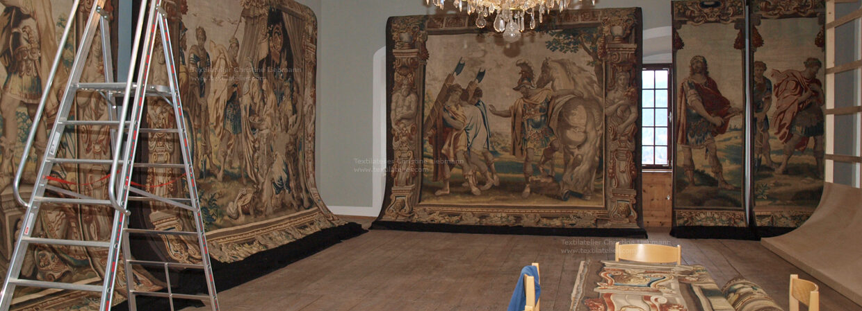 Schloss Schwarzenberg, Murau: Aufbauten zur Präsentation der Tapisserien im Rittersaal