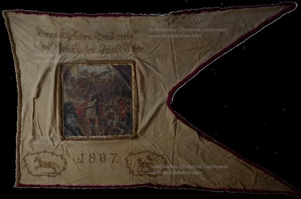 Diözesanmuseum Eisenstadt: Zunftfahne der Fleischer vor der Konservierung (datiert 1807)